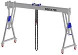 33960082 Wciągarka bramowa aluminiowa z możliwością przejazdu pod obciążeniem, z wózkiem pchanym i wciągnikiem łańcuchowym miproCrane DELTA 700S (udźwig: 1500 kg, szerokość: 7100 mm, wysokość: 2590/3440 mm)